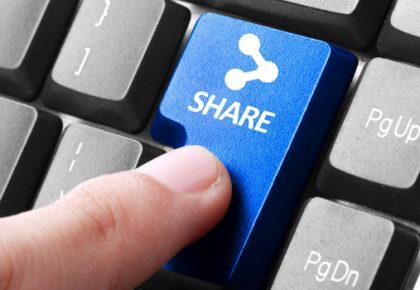 Finger pressing share button